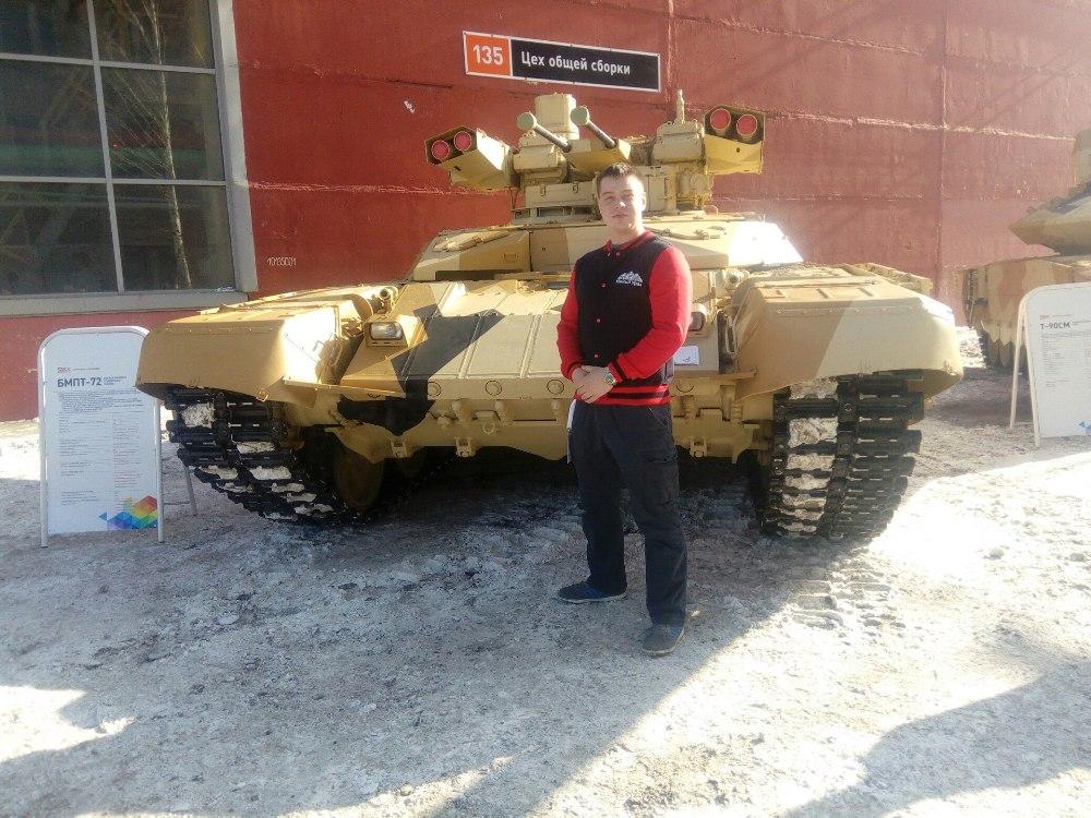 Для участников форума организовали посещение музея бронетанковой техники.