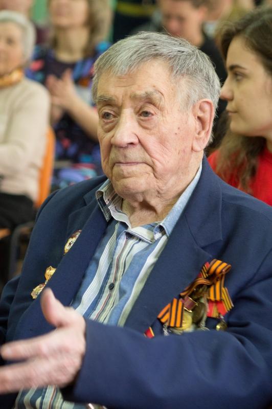 Виталий Абаев