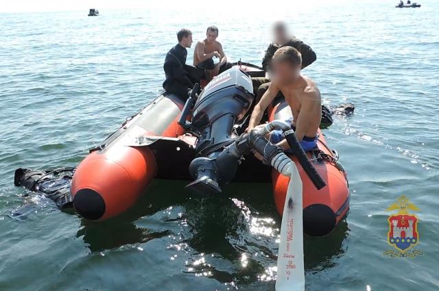 В августе в Балтийском море задержали очередных дайверов, незаконно добывающих янтарь.