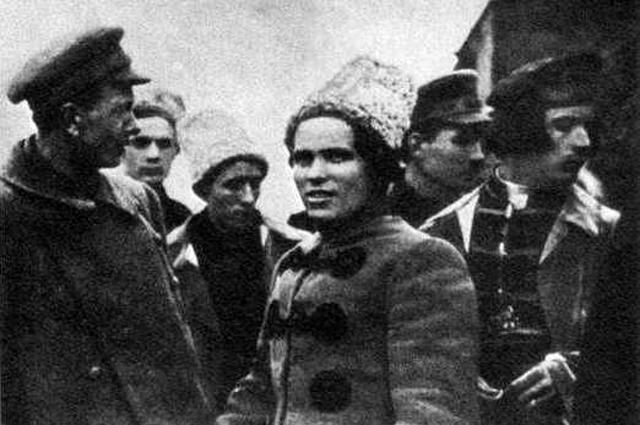 Лидеры повстанцев в 1919 году (слева направо): С. Каретник, Н. Махно, Ф. Щусь.