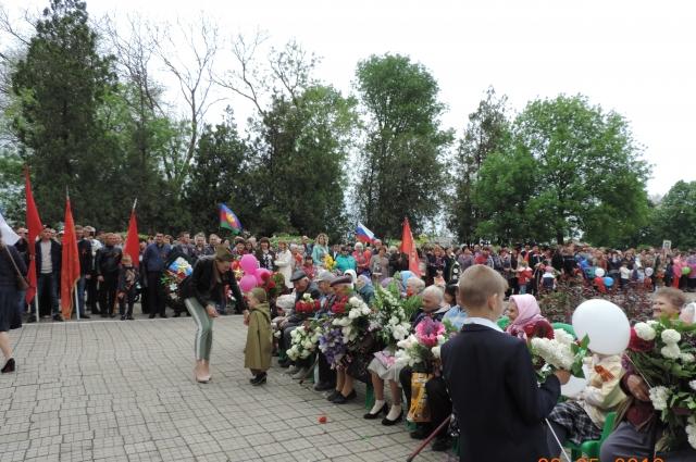 Праздник - отличный повод для жителей Новощербиновского поселения собраться вместе.