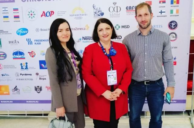 Лилия - активная участница форумов и конгрессов.