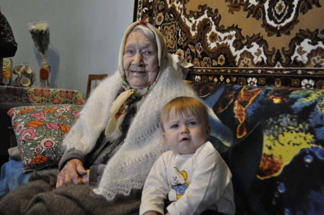 Надежда Некрасова из поселка Межевой Челябинской проголосовала в 100-летний юбилей.