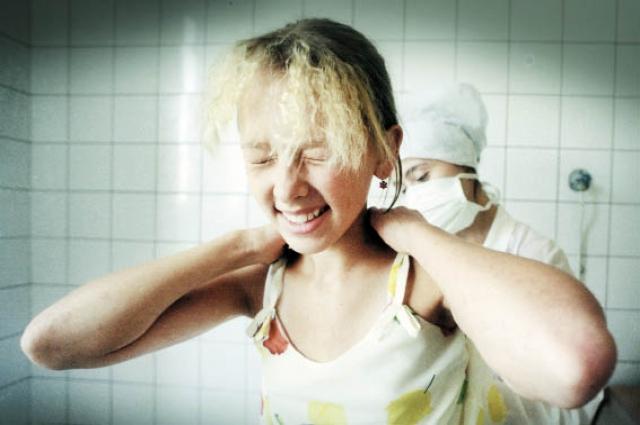 Мифы о прививках пугают родителей