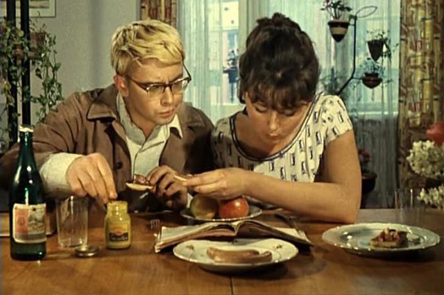 После смерти Демьяненко в одной из передач его первая жена Марина Склярова призналась, что он ненавидел роль Шурика.