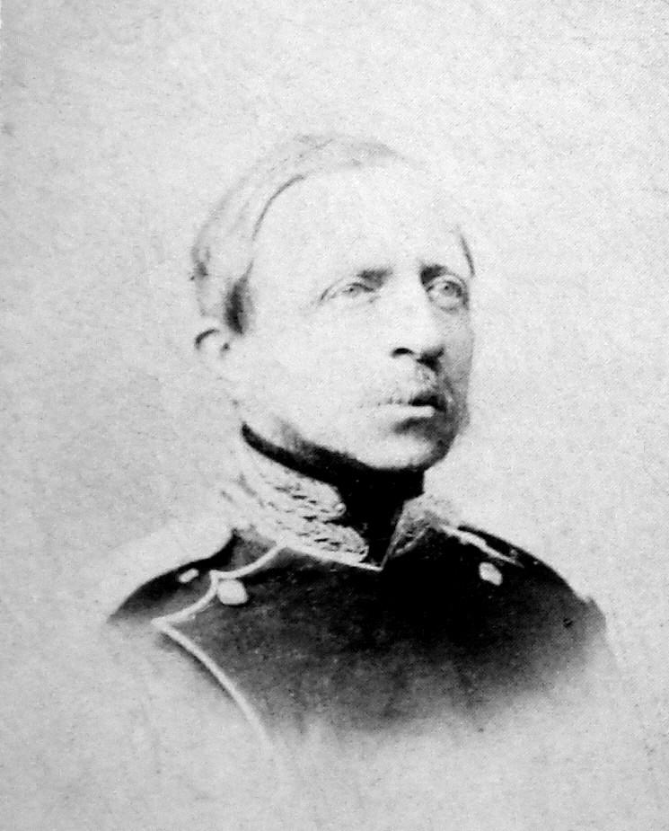 Петр Ольденбургский опекал множество учебных и медицинских учреждений.
