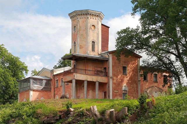 Эстонский замок Фалль, где похоронен Бенкендорф