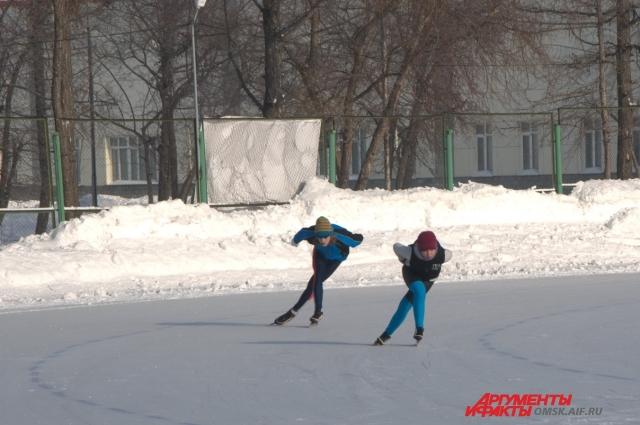 Конькобежный спорт в регионе становится всё более популярным.