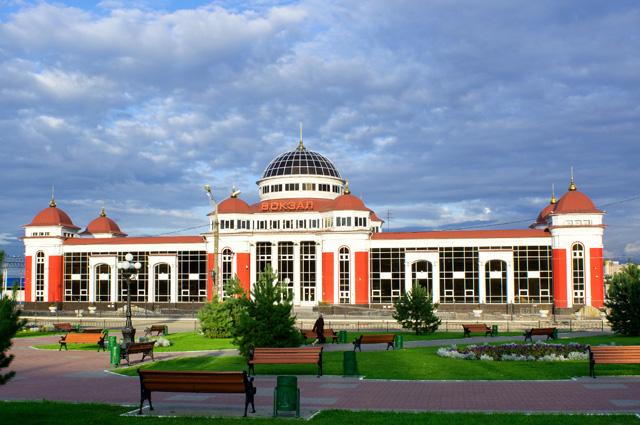 Гостей города встречает вокзал, за который столице Мордовии не стыдно.