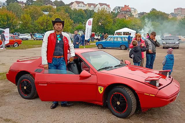 Красная Ferrari не в первый раз приезжает в Калугу на фестиваль.