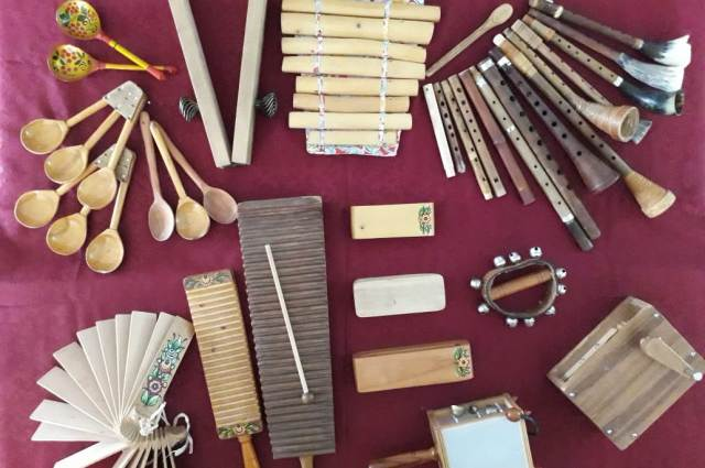 На инструментах мастера играли ансамбли по всему СССР.