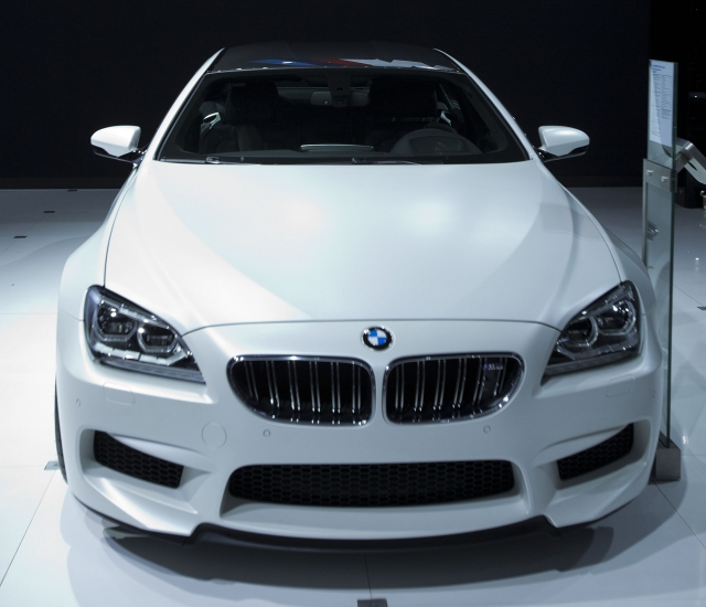 Автомобиль М -серии BMW на автосалоне в Лос-Анджелесе