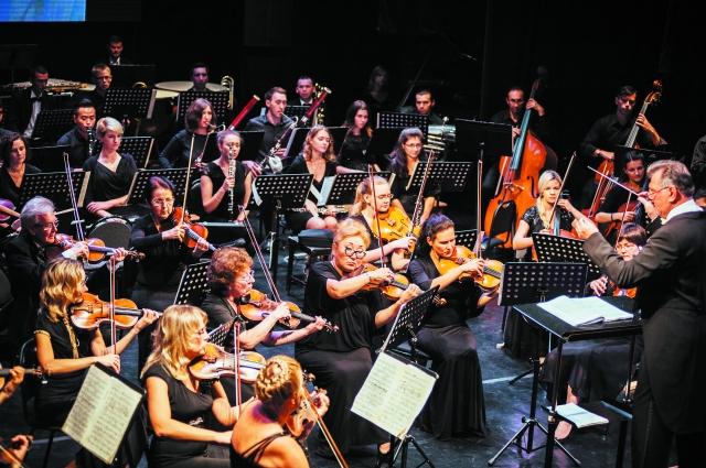 Совместные выступления музыкантов разных стран были слаженны.