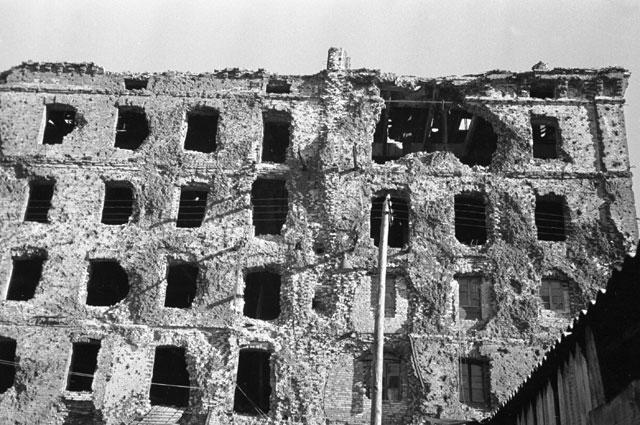 Разрушенный дом Павлова в Сталинграде.
