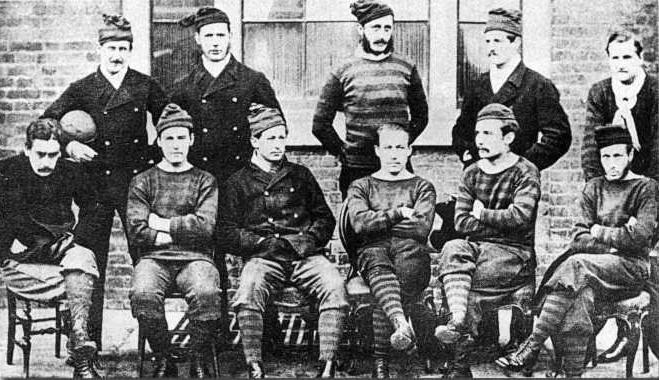 «Ройал Энджинирс» в 1872 году. Клуб футбола ассоциации «Ройал Энджинирс»» футбольный клуб, представлявший Корпус королевских инженеров Британской армии (прозвище «Саперы»). В 1870-е годы – один из сильнейших клубов Англии, пионер комбинационной игры.