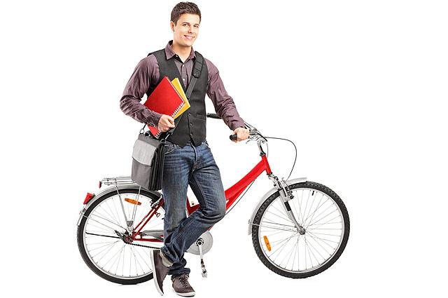 Студент на велосипеде