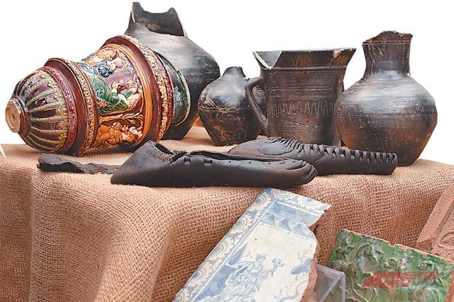 Керамика и изделия из кожи ценились во все времена.