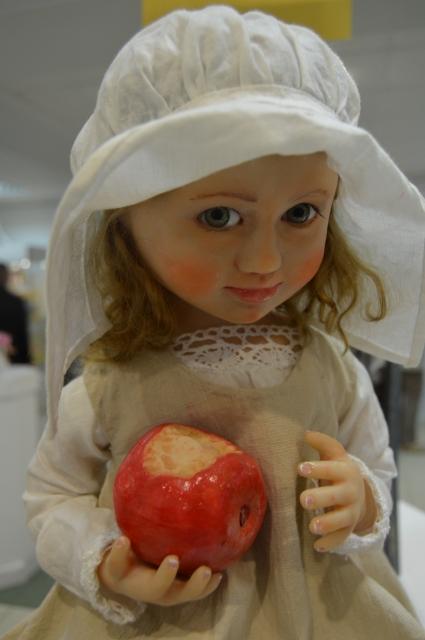 Создание куклы - кропотливая работа.