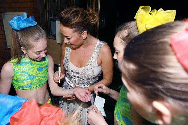 Жанна Фриске на концерте детского коллектива Непоседы Взрослые и дети, приуроченном ко Дню Защиты Детей