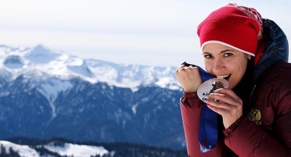Спортсменка Татьяна Иванова после завершившегося сезона планирует подарить всем членам своей семьи по лотерейному билету.