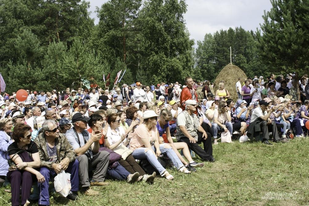 Международный турнир косарей в поселке Арти.