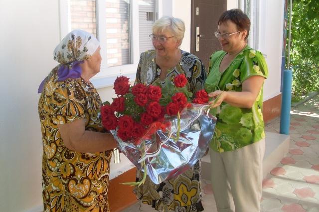 В Николаевском поселении привыкли заботиться о каждом жителе.