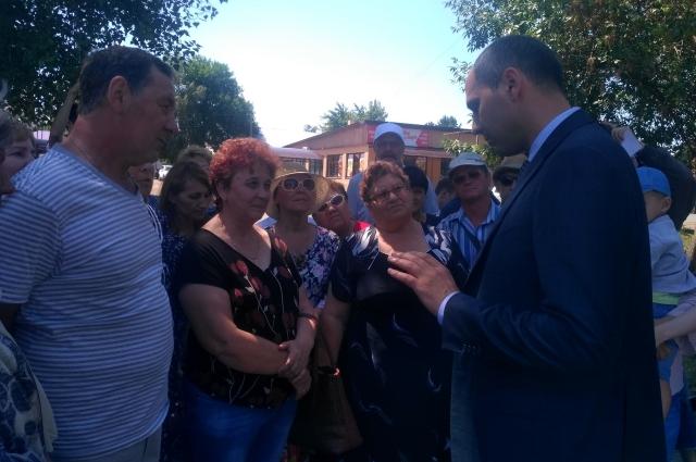 Жители Переволоцкого и Ташлинского районов летом этого года на встрече с Денисом Паслером пожаловались на выбросы сероводорода.