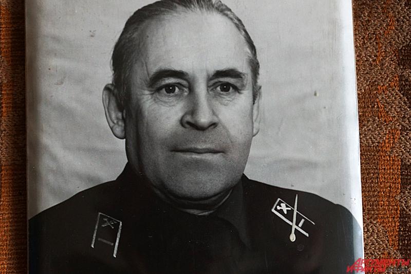 После войны Чижов ушёл работать на железную дорогу всё тем же связистом