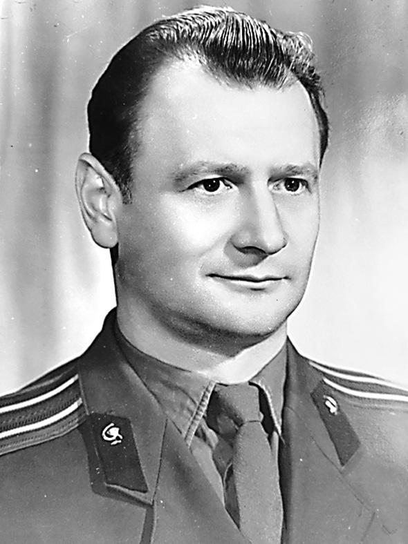 Майор медицинской службы Арнольд Федун, 1960-е гг.
