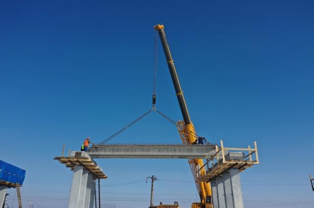 На эстакадах Старого моста закончили монтаж пролётных строений