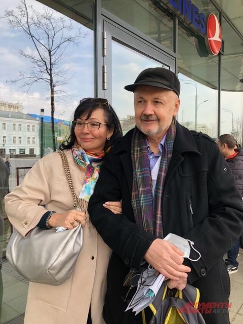 Турист Виталий Лютиков со спутницей.
