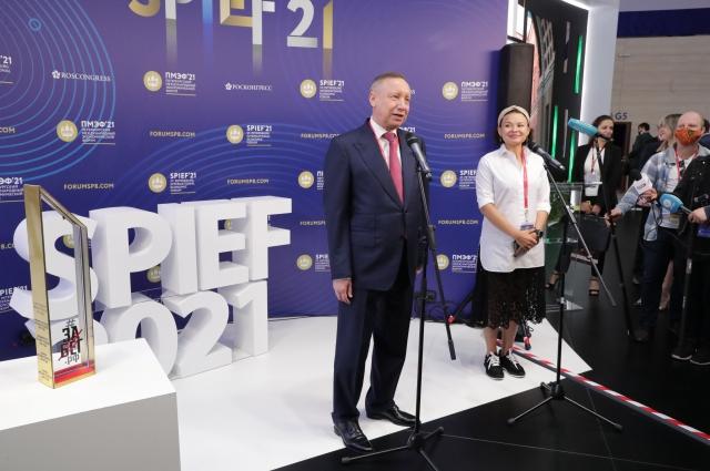Александр Беглов поблагодарил участников и организаторов полумарафона.