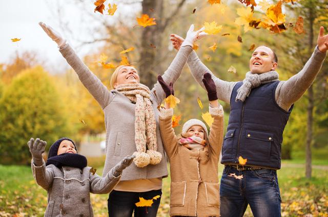 ребенок, женщина, осень, листья