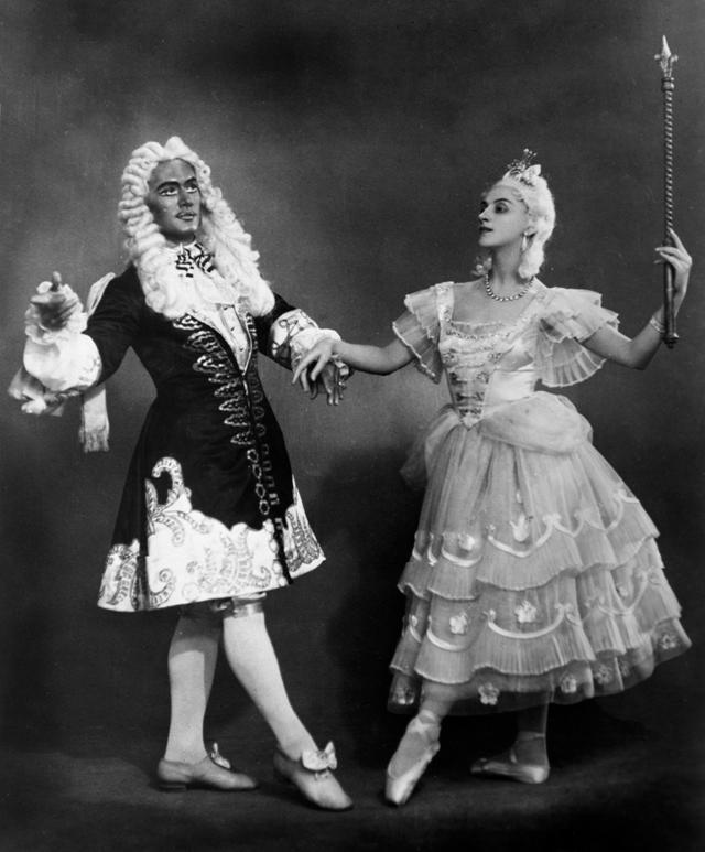 Заслуженная артистка РСФСР Алла Шелест вроли царицы бала избалета намузыку Р.М. Глиэра «Медный всадник».