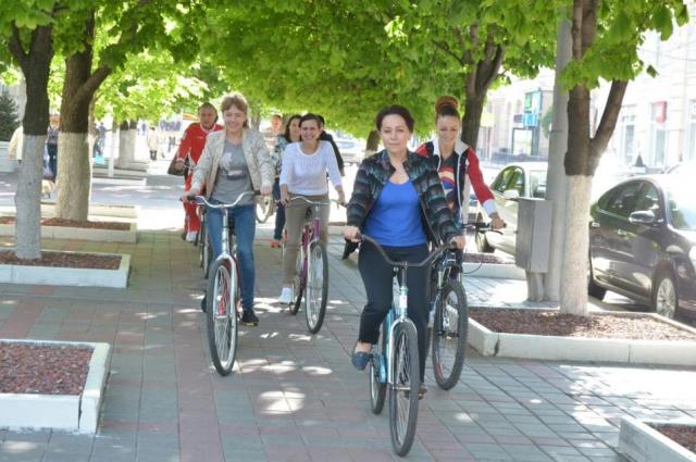 Велопрогулки в парке дают полноценный эффект оздоровления