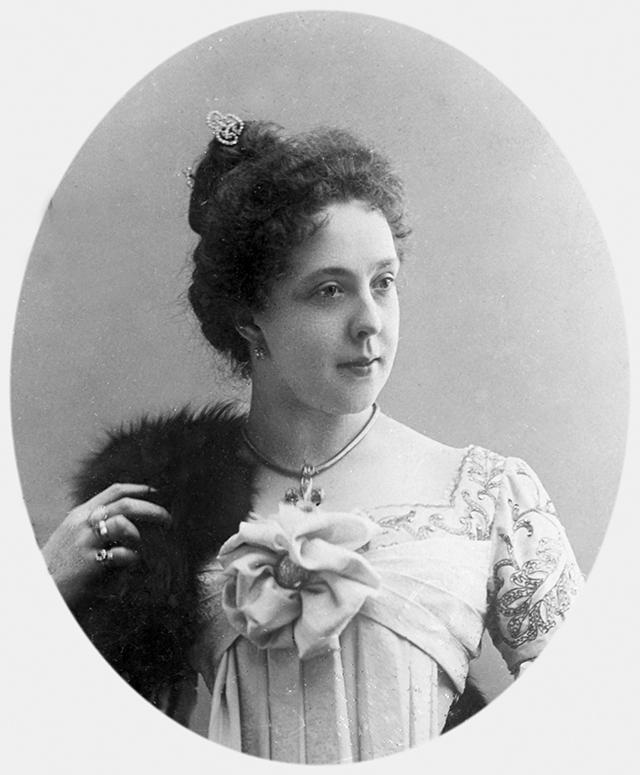 Александра Яблочкина в 1900 году.