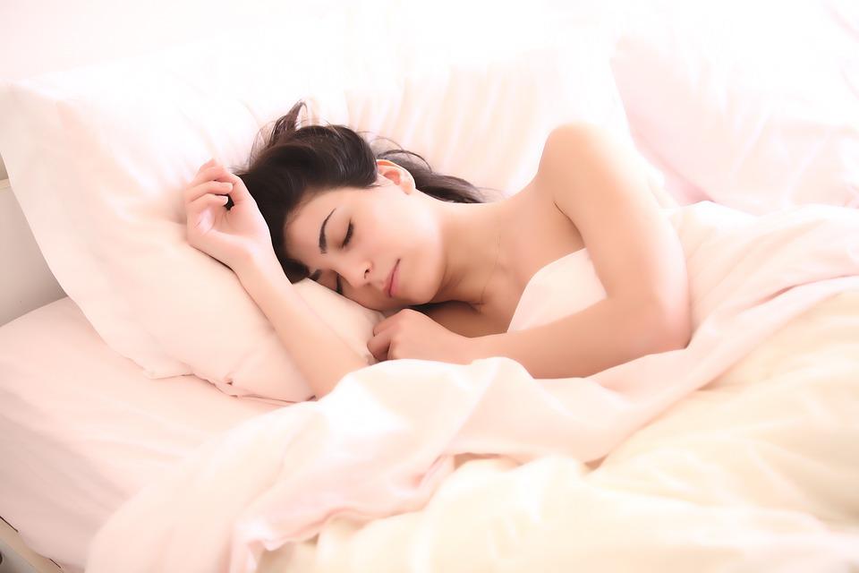 Привыкайте опять вовремя (или на час раньше) ложиться спать и вставать.