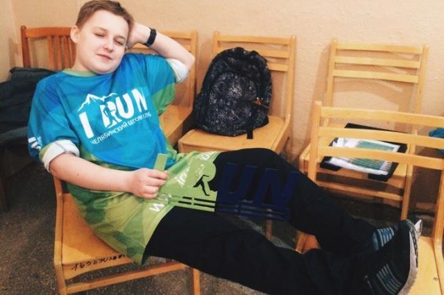 «Иногда устаешь так, что падаешь отдыхать на стулья. Или даже пол» — говорит Данил.