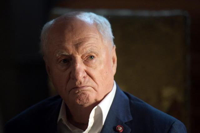 Армена Джигарханяна привели нацеремонию прощания сЗахаровым