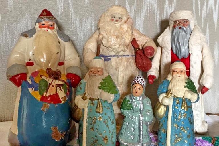 Ольга питает особую любовь к Дедам Морозам.