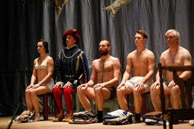 Спектакль «Лавр», показанный на Пушкинском театральном фестивале в Пскове, автору одноименного романа нравится именно тем, что он не пересказывает книгу.