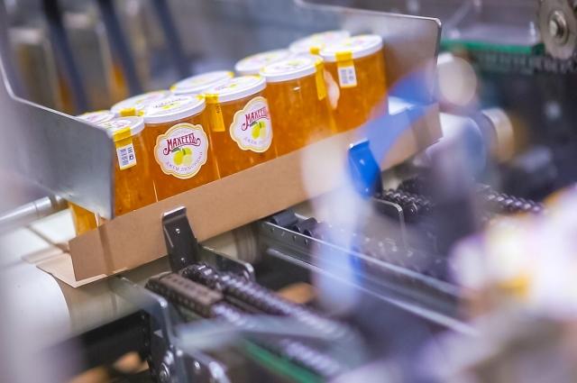 Максимально (на 90%) сохранить в джеме первоначальный вид, вкус ягод и фруктов, позволяет технология бережного приготовления.