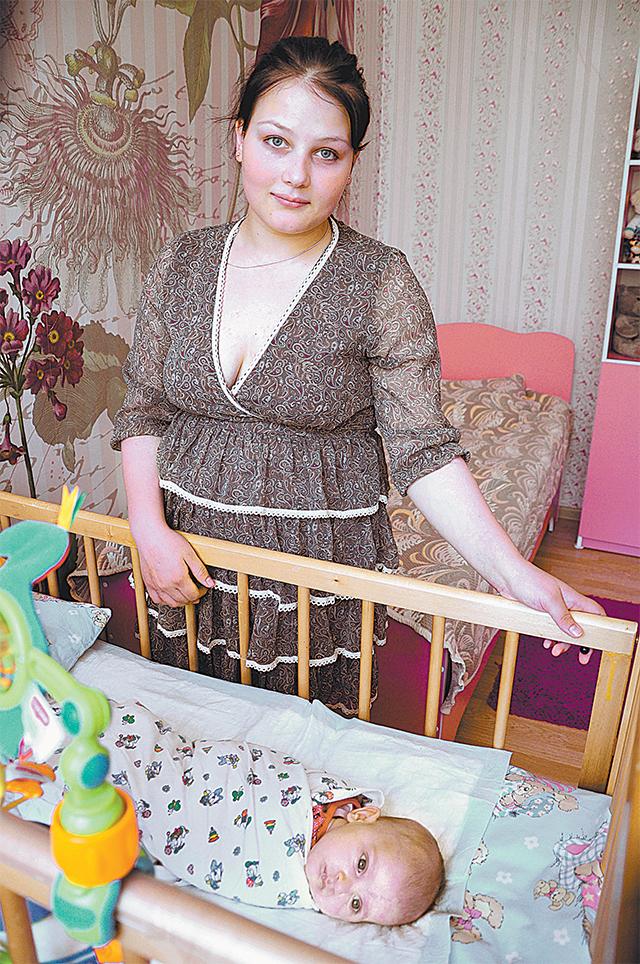 16-летняя Таня сбежала от матери, которая хотела выдать её замуж за таджика, с ребёнком под сердцем - от любимого