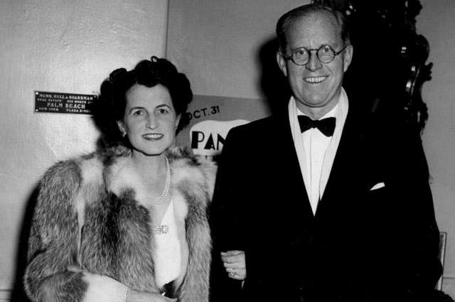 Супруги Кеннеди в нью-йоркском ресторане, ноябрь 1940 года