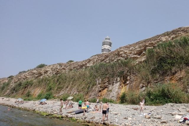 Владислав отдыхал на пляже вместе с шестилетним сыном.