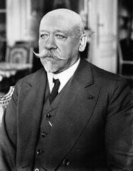 После смерти своей второй жены, Сухомлинов женился на Екатерине Викторовне Бутович.