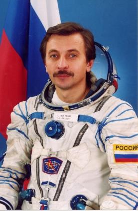 184 дня в космосе провел Александр Лазуткин.