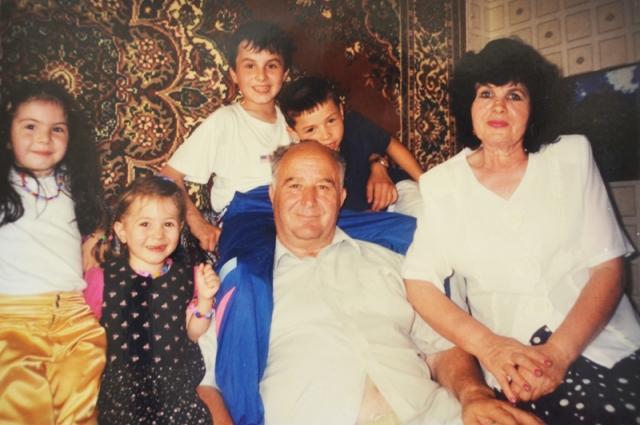 В семье Хутинаевых обожают внуков и гордятся их успехами.