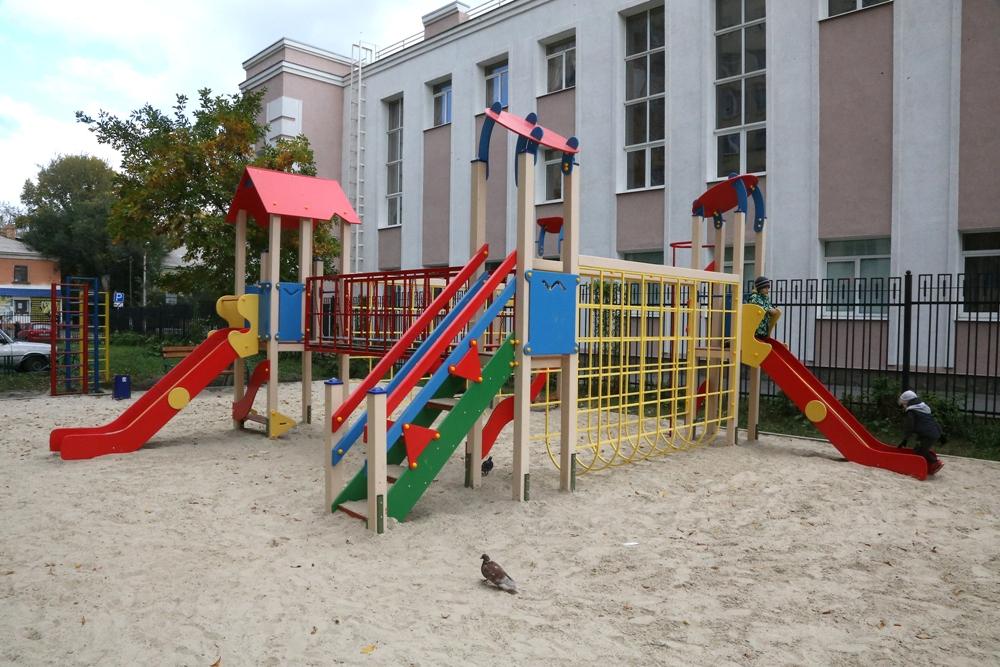 Во дворе Энергетиков, 65 раньше не было детской площадки.