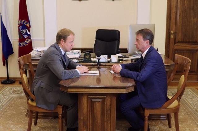 Виктор Томенко и Вячеслав Франк (справа)